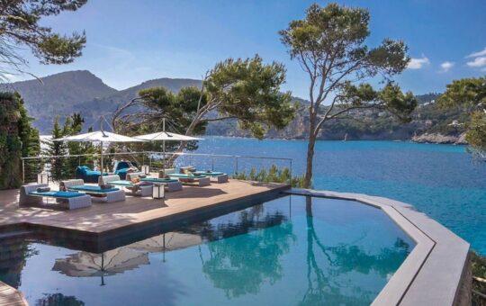 Moderne Villa der Extraklasse in erster Meereslinie, Camp de Mar