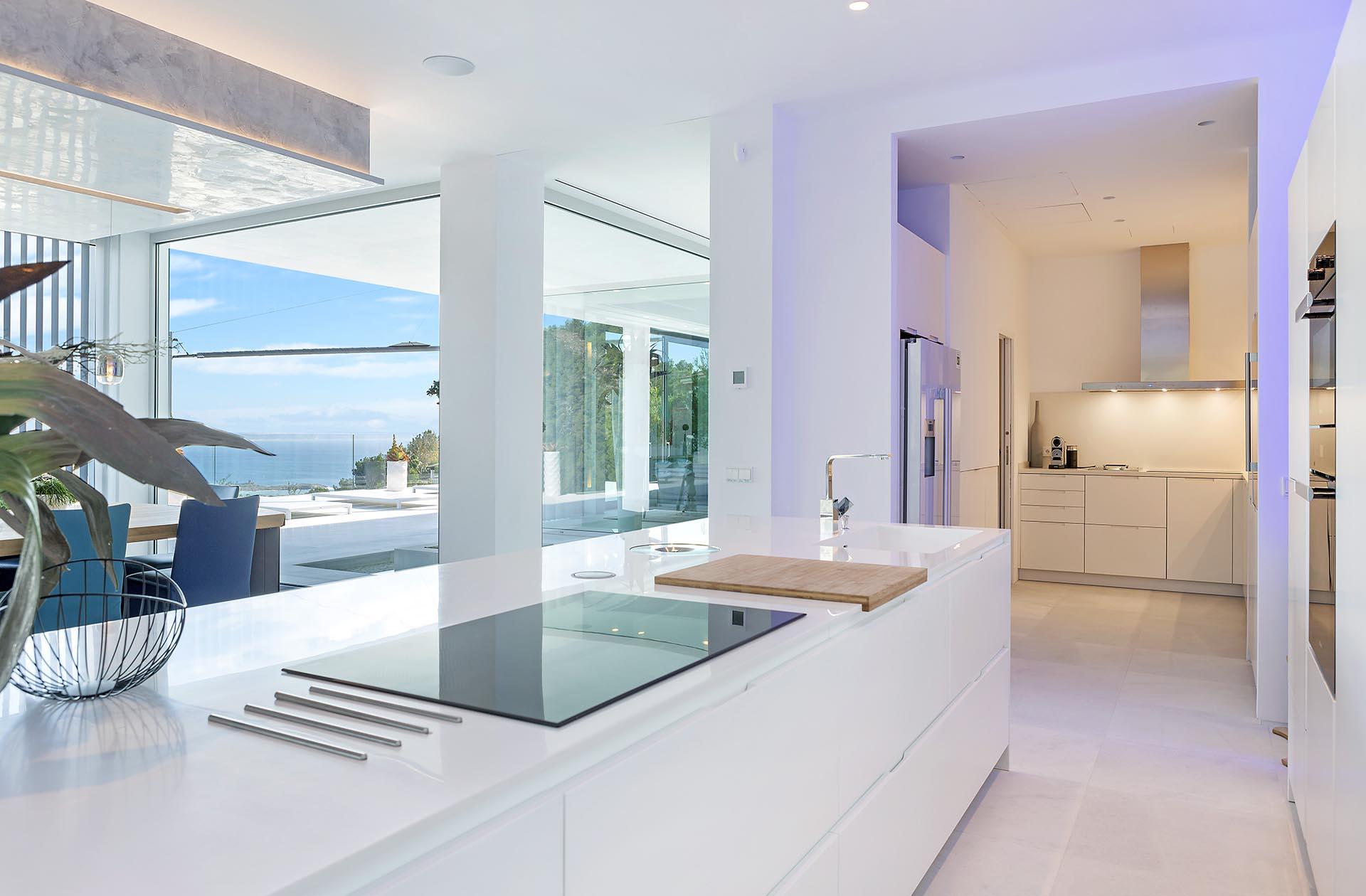 Traumhafte moderne Villa in Costa den Blanes - Hohe Decken