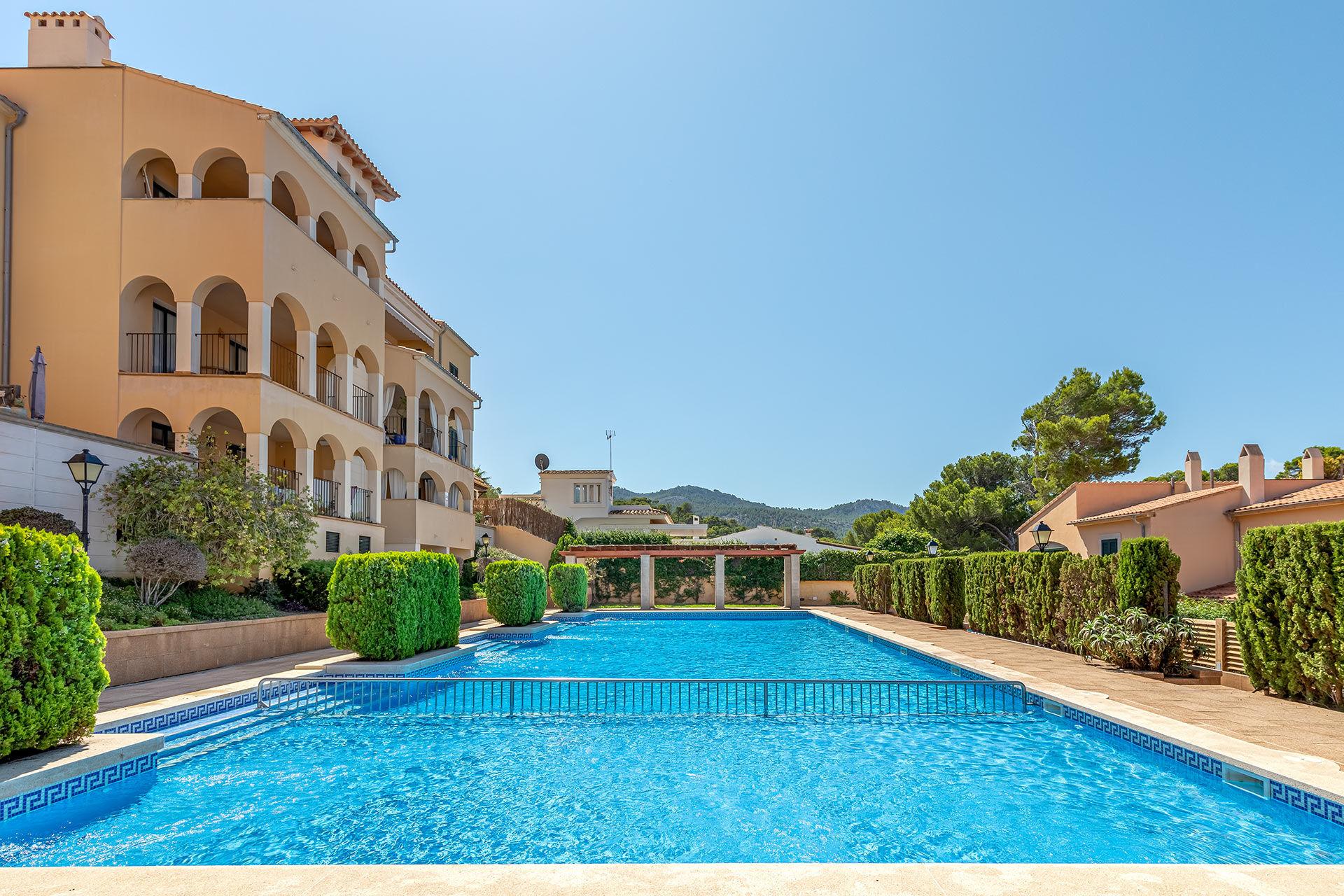 Appartement in mediterraner Anlage in Sant Elm