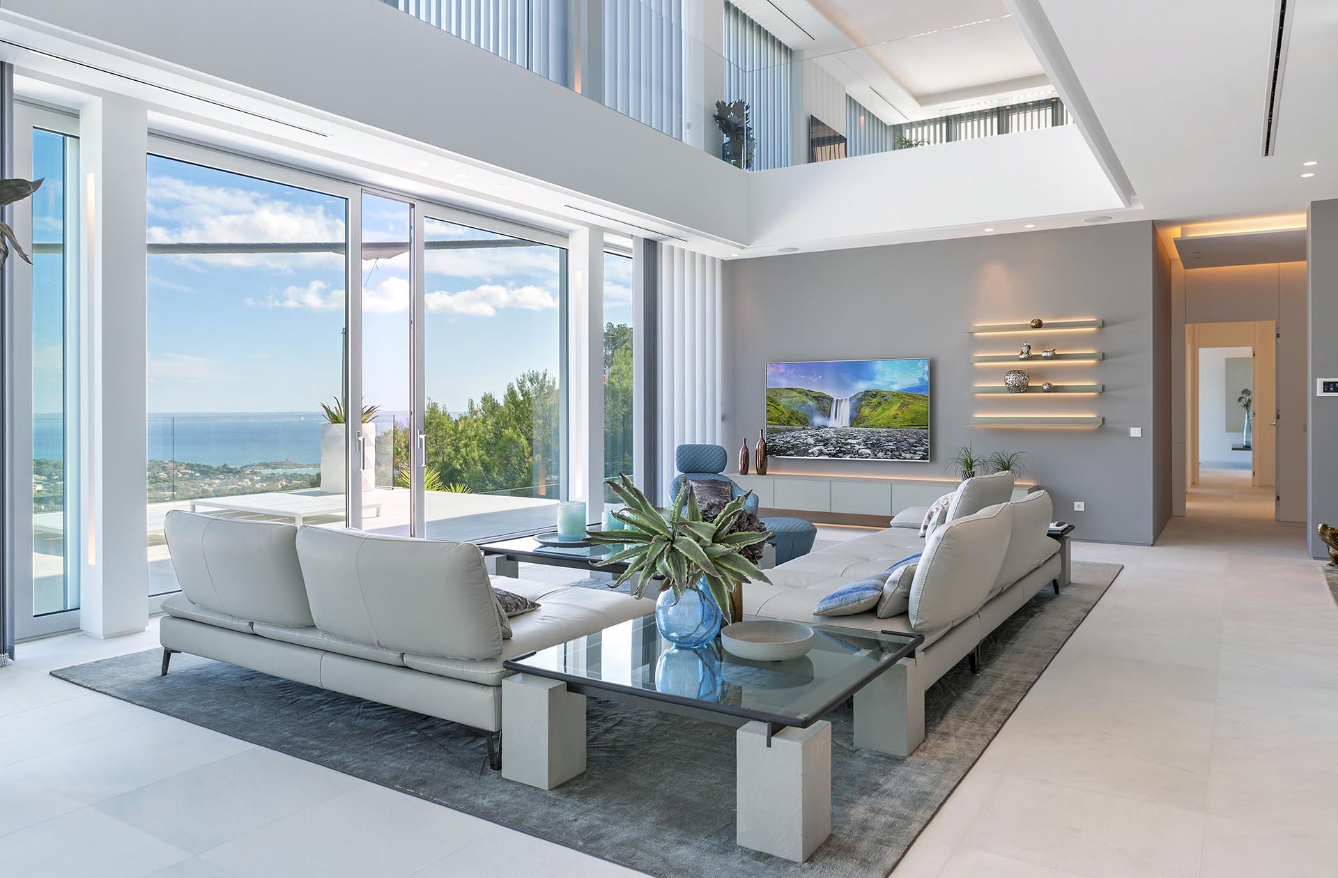 Hermosa villa en Costa d'en Blanes - Techos altos